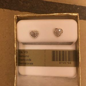 10k gold diamond heart stud earrings
